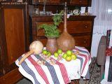 Naziv slike:jabuke i suhe tikve, neobična oblika